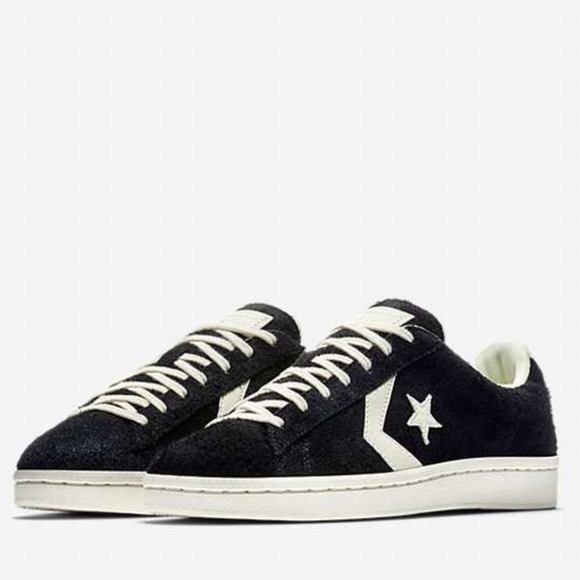 b825277d4a893a Converse Men s Pro Leather  76 Suede Low Top Shoes
